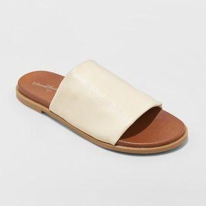 Gigi Hooded Slide Sandals Bone Size 8.5